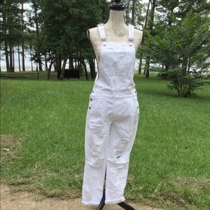 AE Destroyed White TomGirl Overalls Size Small